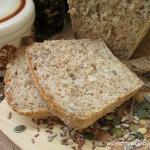 Chleb z otrebami i ziarna...