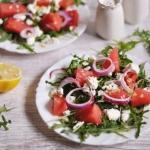 Salatka z arbuzem i serem...