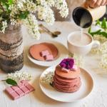 Zdrowe, rozowe pancakes