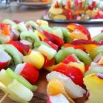 Owocowe szaszłyki z...