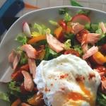 Wiosenna salatka z lososi...