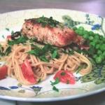 Spaghetti z lososiem i pe...