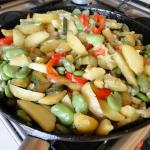 Bób z warzywami z...
