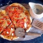 Pizza z kabanosem z...