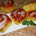 Buleczki drozdzowe z masa...