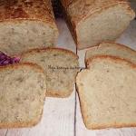 Chleb z niewielką...
