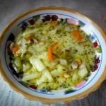 Zupa ogórkowa  z ryżem...