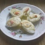 Jajka w sosie koperkowym
