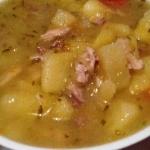 Zupa ogórkowa z mięsem...