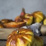 Dyniowe buleczki z jablki...