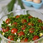 Warstwowa salatka z kurcz...