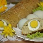 Pasztet drobiowy z jajkie...