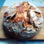 Chleb z przepyszna skorka...