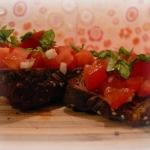 grzanki z pomidorami...