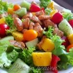 Letnia salatka z mango, m...