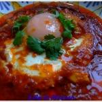 Jajko sadzone w sosie z...