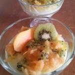 Domowy budyń z owocami
