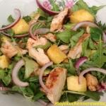 Salatka z grillowanym ana...