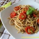 Razowe spaghetti z pesto...