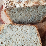 Chleb owsiany z ziarnami,...