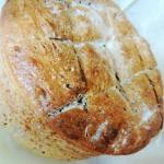 Chleb razowy z figami,...