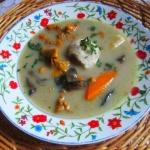 Tradycyjna zupa grzybowa ...