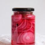 Pikle z czerwonej cebuli