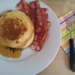 Pancakes na maślance z...