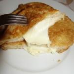Mozzarella w tostowym chl...
