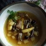 Czysta zupa z grzybami i ...