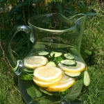Woda z ogorkami, cytryna ...