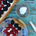 Tarta z kremem i owocami...