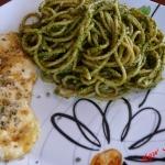 Spaghetti oraz pesto z ru...