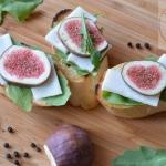 Grzanki z figą i serem...