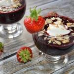 Deser owocowy z jogurtem