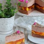 Tort brzoskwiniowy z...