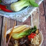 Sycąca zupa azjatycka z...