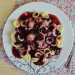 Makaron w sosie jagodowym