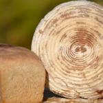 Chleb pszenny z kozim ser...