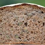Chleb pszenny razowy, z n...