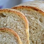 Jasny chleb na zakwasie,...