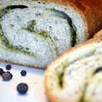 Chleb razowy pesto na sta...