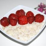 Owsianka z truskawkami
