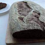 Chleb z karobem