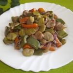 Gulasz warzywny z bobem,...