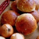 Cebulowe buleczki / Onion...