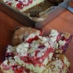Ucierane ciasto z truskaw...