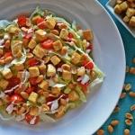 Salatka ze smazonym tofu ...
