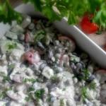 Salatka z ryzem i czerwon...