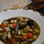 Zupa grzybowa z pyrkami